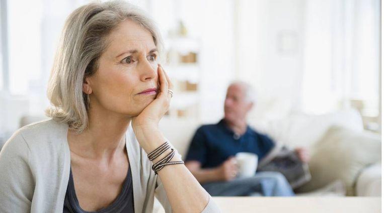 """Tessa (64) vreest dat haar man alzheimer heeft: """"Zijn manier van doen verontrust me"""""""