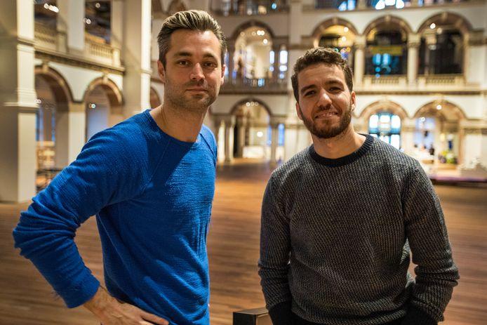 'Dance Around the World', ook al zo'n 'snoepreisjesprogramma' volgens de critici, flopte genadeloos in Nederland. Daar haalde de reeks gemiddeld amper 100.000 kijkers.