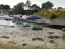 Binnenhaven Tiel ligt er verlaten bij