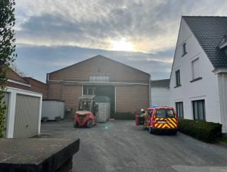 Brand bij vlasvezelbedrijf snel onder controle in Lendelede