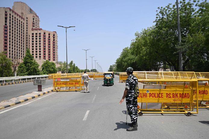 Les autorités de New Delhi vont imposer à partir de lundi soir aux 20 millions d'habitants de la capitale indienne un confinement d'une semaine pour contenir la flambée de cas de Covid-19 et réduire la pression sur les hôpitaux.