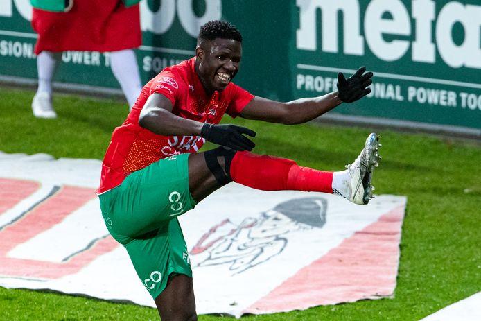 Gueye scoorde twee keer.