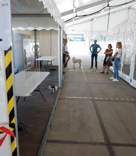 Mobiele testbus maakt weer plaats voor vaste corona testlocatie in Woerden