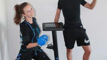 Fitnesseigenaars Sofie en Pieter houden iedereen actief met live online sportsessies