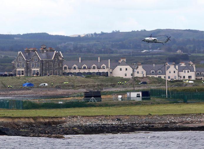 Trump was in juni op rondreis door Europa. Afsluiten deed hij in het Ierse Doonbeg waar hij eveneens een golfresort bezit. Hier landt de presidentiële helikopter Marine One.