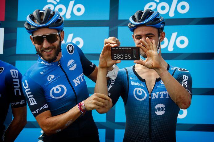 Carlos Barbero en Victor Campenaerts van NTT Pro Cycling.