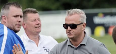 Vader en zoon Nelissen: trainersduo bij vijfdeklasser VVLK
