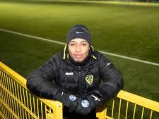 Kindo Kamara voelt zich thuis bij De Valk: 'Hier kwam mijn zelfvertrouwen weer terug'
