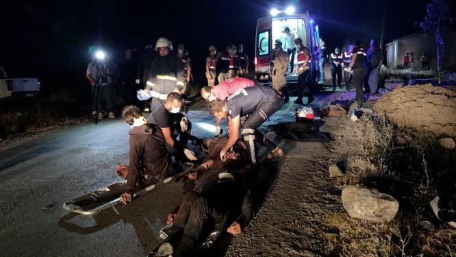 12 doden in Turkije bij ongeval met bus die migranten zonder papieren vervoerde