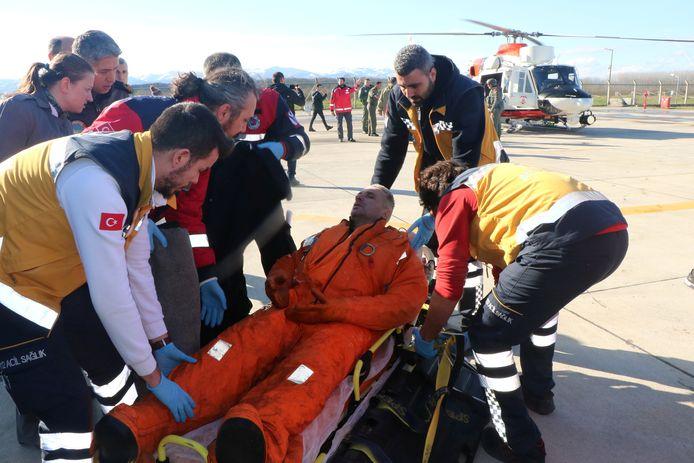 De hulpdiensten konden zeven opvarenden redden.