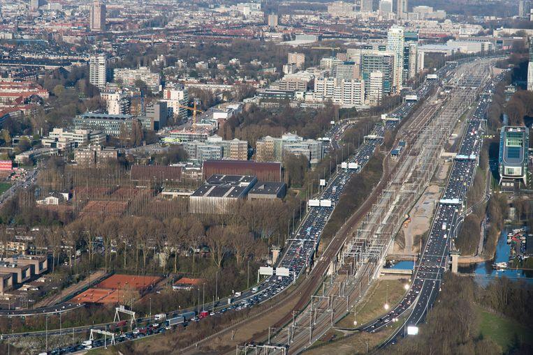 Files op de ring A10 rond Amsterdam in de richting van de A4. Beeld ANP