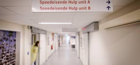 Slechts handvol vuurwerkslachtoffers in Twente, Almelose artsen druk met steekincidenten