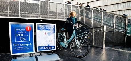 Fietsers met krat geweigerd bij fietsenstallingen rondom Utrecht Centraal