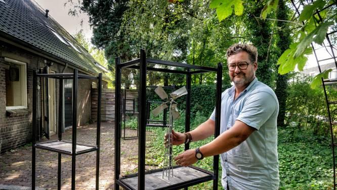 Kunstenaar Bosman raakt verzeild in 'wondere wereld van pioniers': Vitrines met gevonden voorwerpen jaar lang in Boxtel te zien