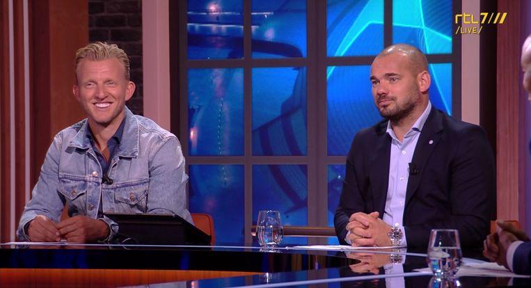 Dirk Kuyt en Wesley Sneijder analyseren de Champions League-wedstrijd van Ajax tegen Sporting Portugal. Beeld RTL7
