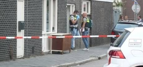 Arrestatieteam valt woning in Almelo binnen: één persoon aangehouden