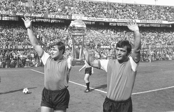 Hoe Theo de Tank Ajax omver kegelde en met Feyenoord kampioen werd | Sport  | bndestem.nl