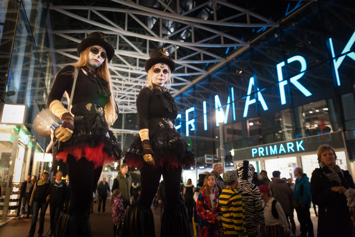 Halloween Zoetermeer.Gillen En Griezelen In Het Stadshart Zoetermeer Ad Nl