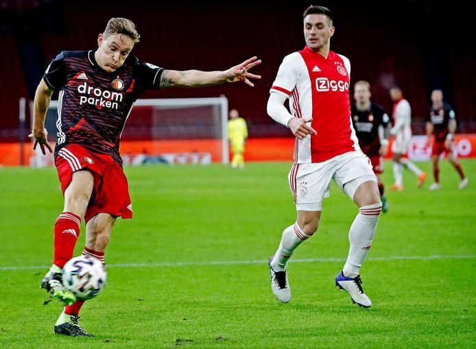 Jens Toornstra haalt uit, maar ook hij weet niet te scoren voor Feyenoord.