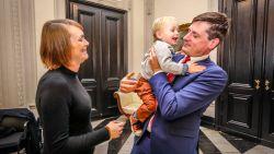 Burgemeester verwelkomt dochter Louise