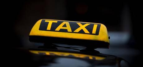 Behulpzame taxichauffeur mishandeld in Amstelveen