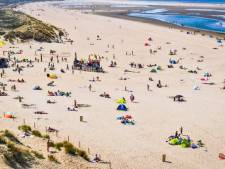 Goeree-Overflakkee opent voorzichtig weer enkele parkeerplaatsen bij het strand