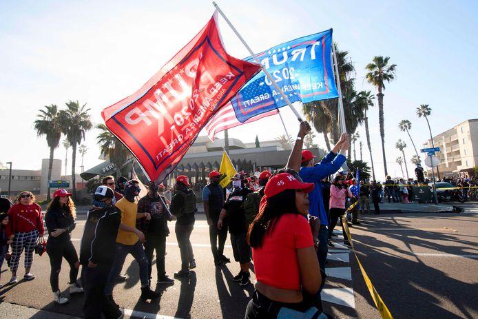 Aanhangers van Trump demonstreerden zaterdag in San Diego tijdens een 'Patriot March'.