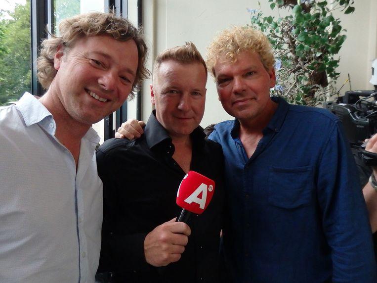 Met Frits Sissing en mede-icoon Ton van Royen: 'Frank is een character, iemand waar mensen een mening over hebben. Een zender moet characters hebben. Spijtig.' Beeld Schuim