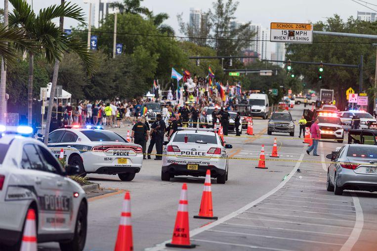 De politie doet onderzoek naar het ongeval.  Beeld AFP