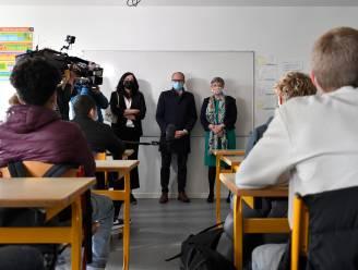 LIVE. Russisch vaccin volgens makers effectiever dan gedacht - Scholen opnieuw open en niet-essentiële reizen mogen weer