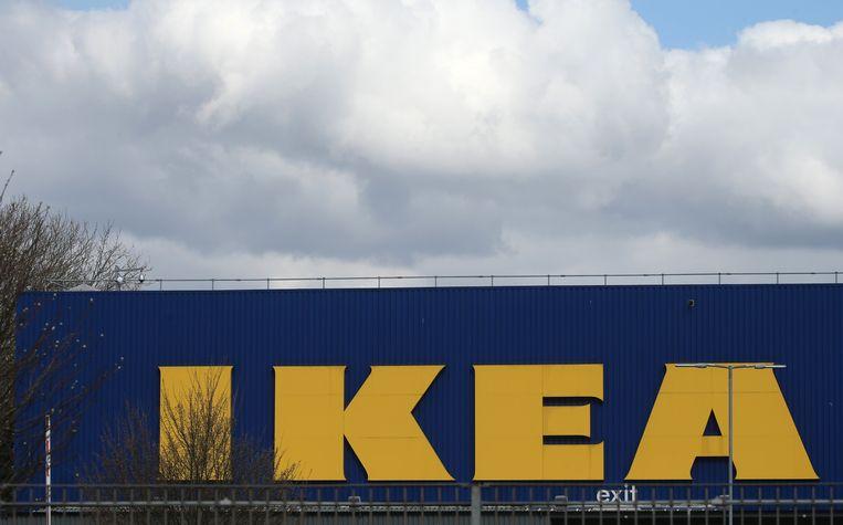 Nu er niet meer in de gewone winkel geshopt kan worden, schakelen consumenten over naar online winkelen, stelt de handelsfederatie Comeos vast. Beeld Photo News