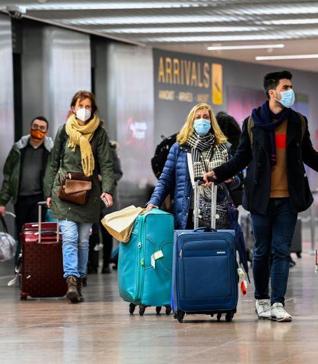 Accord des Vingt-sept pour permettre l'entrée dans l'UE aux voyageurs entièrement vaccinés