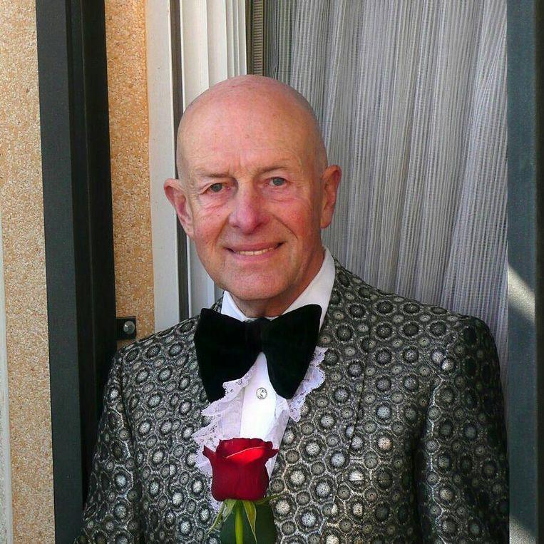 Daniël Pax (77) verhuisde na zijn pensioen naar Spanje. Hij speelde er keyboard bij verschillende muziekgroepjes.