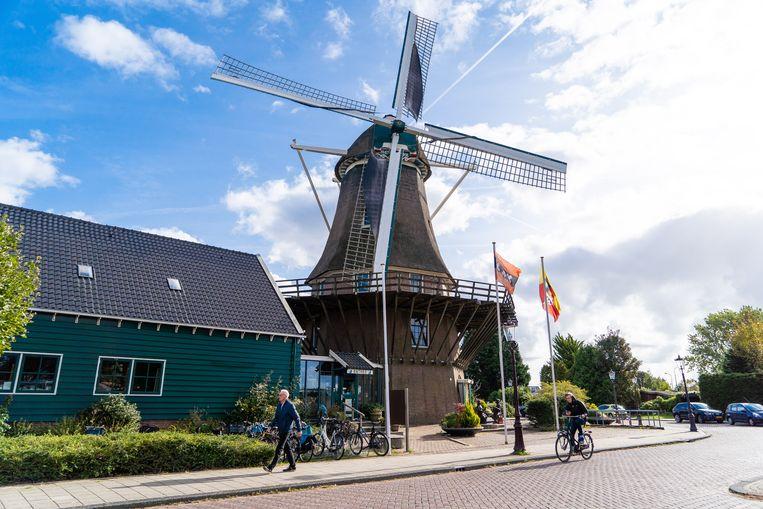 Sinds vorige week staat de molen van Sloten officieel in de boeken als provinciaal monument. Beeld Birgit Bijl