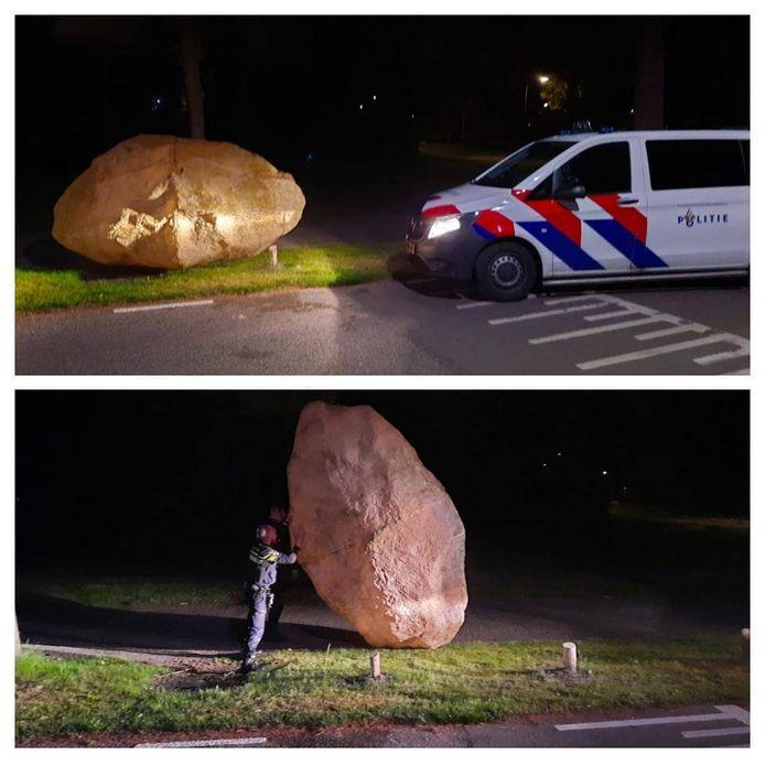 Het enorm rotsblok zou de doorgaande rijbaan aan de Oranje Nassaulaan in Zeist blokkeren.