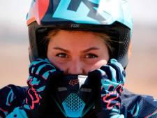 Elle n'a besoin de personne sur sa moto à Téhéran