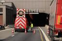 Door de twee ongevallen in de late middag moest de tunnel volledig worden afgesloten richting Stabroek.