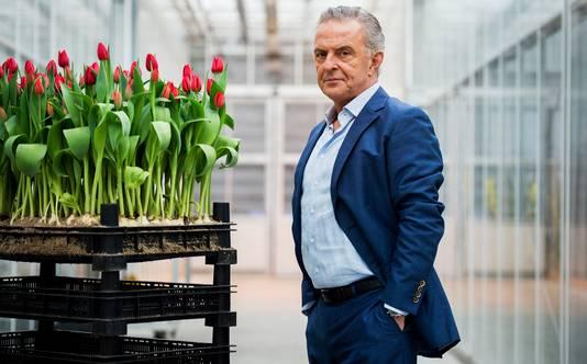 Acteur Huub Stapel op de set van de nieuwe Nederlandse dramaserie Zwarte Tulp. Het eerste seizoen van de serie is in maart 2015 in zijn geheel te zien bij Videoland Unlimited.