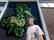 Kunstenaar Niels wil zijn metersgrote straatooievaar in heel de stad laten zien