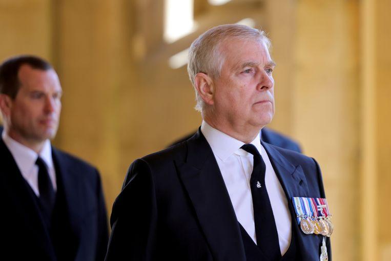 Prins Andrew tijdens de begrafenis van zijn vader in april. Beeld REUTERS
