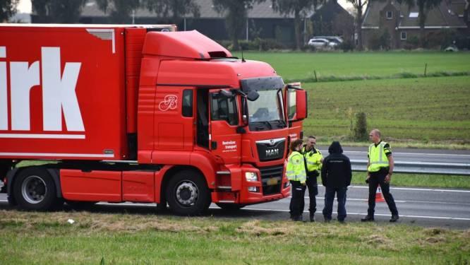 Vrouw gewond bij ongeluk met vrachtwagen langs A58