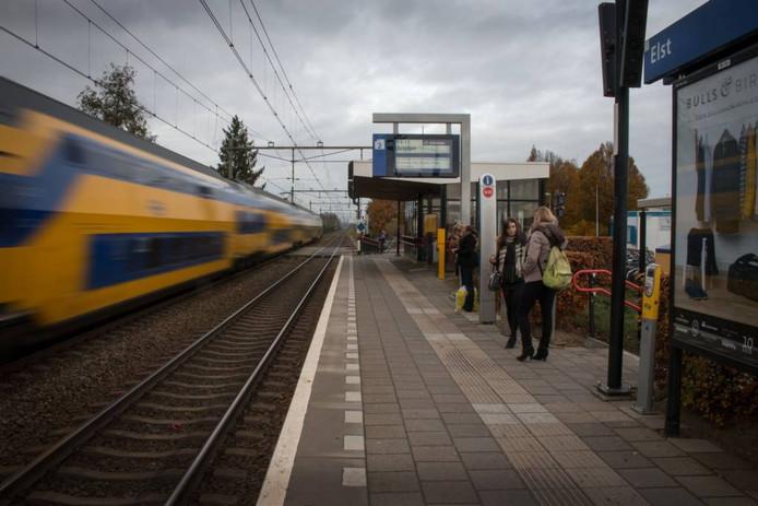 Station Elst. foto: Erik van 't Hullenaar