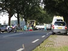 Fietser zwaargewond bij aanrijding in Elburg