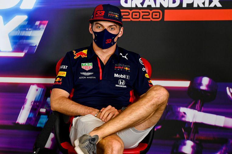 Max Verstappen tijdens de persconferentie voorafgaand aan de Grote Prijs van Abu Dhabi. Beeld EPA