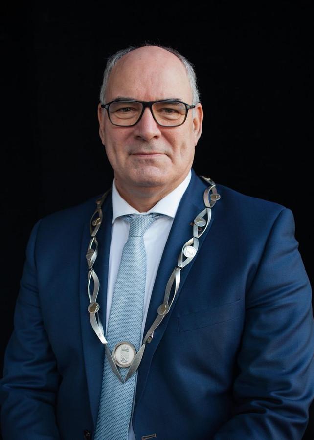 Burgemeester Henny van Kooten.
