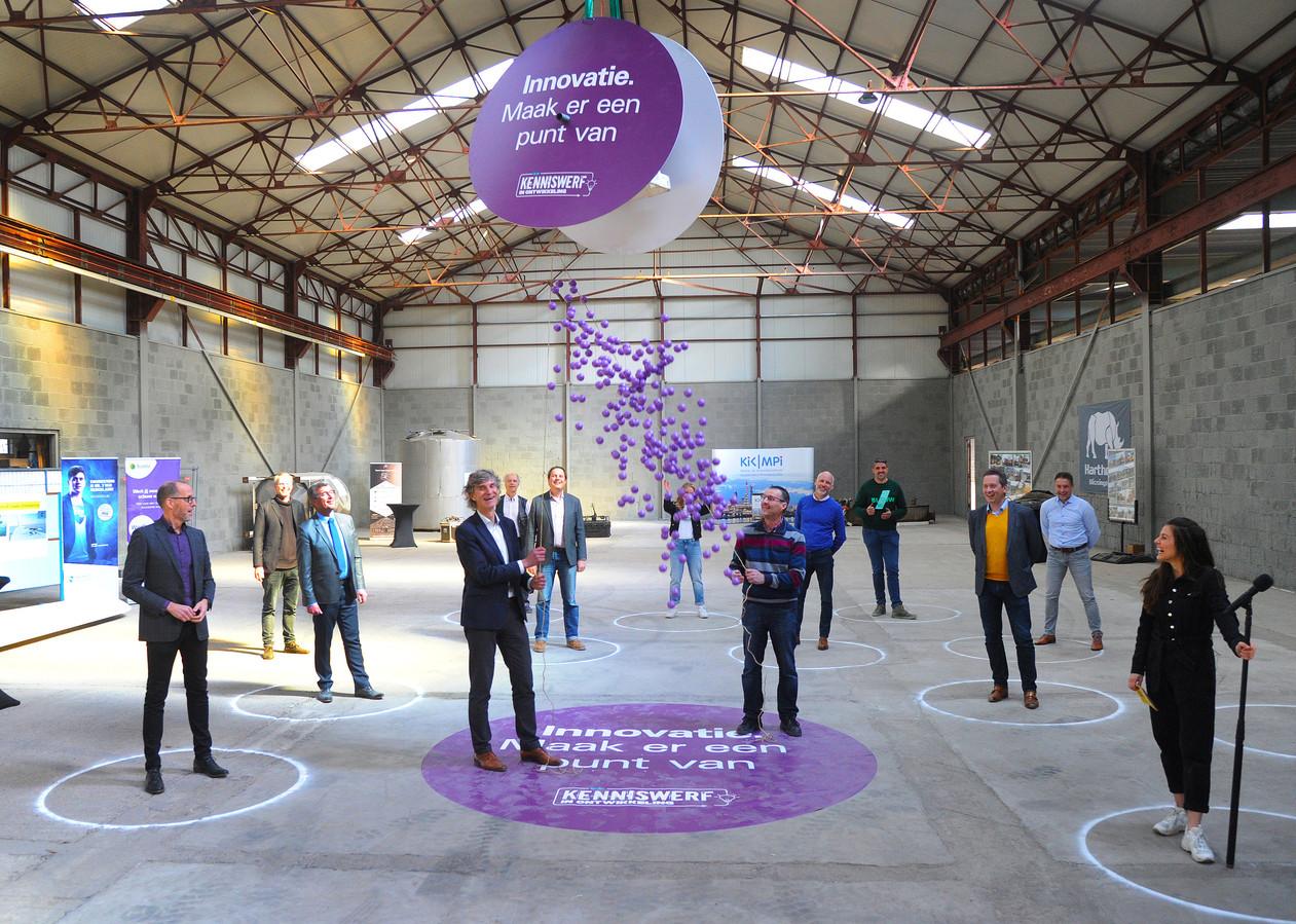 Met paarse balletjes werd testcentrum De Kaap onlangs geopend.