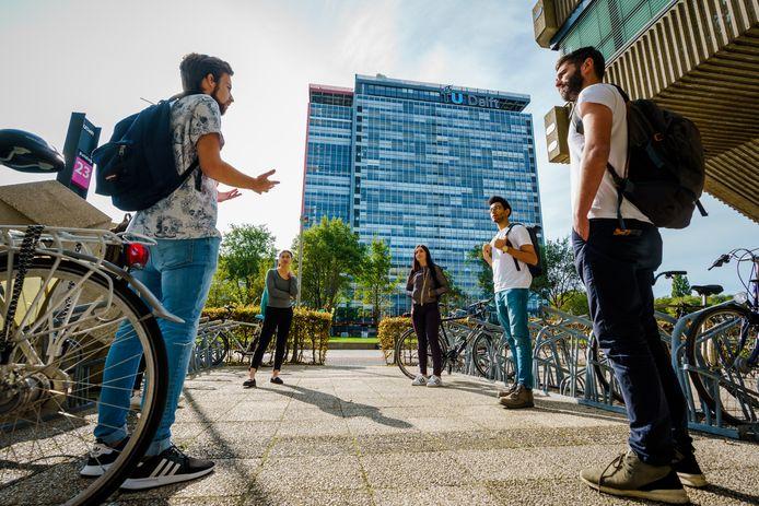 Ter illustratie: Studenten op de TU in Delft. Deze studenten hebben niets met de inhoud van dit verhaal te maken.