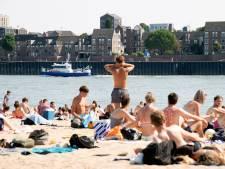 Enorme drukte op Nijmeegse stranden, politie gaat extra surveilleren