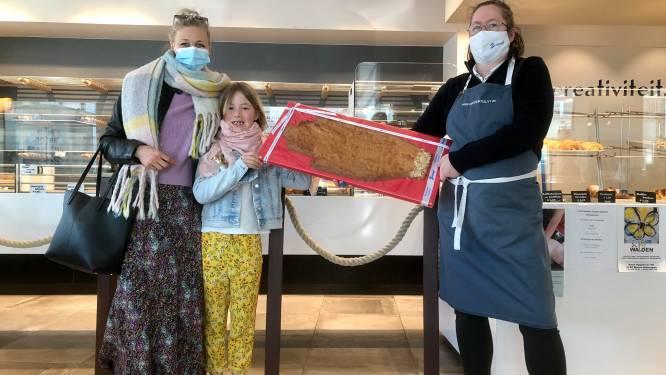 Dat wordt smullen: bakkerij Bossuyt bakt giga-Antwerps Handje voor winnares expo Koekenstad