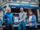 vlnr: Wouter Dieleman (MSC), Jan Kegels (Jean sur Mer), en Yuki Kimura (Jean sur Mer Harbor Cafe)